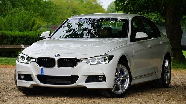 bílé BMW